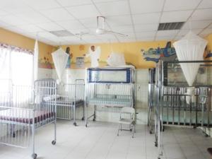 Monrovia: reapertura del Servicio de Pediatria