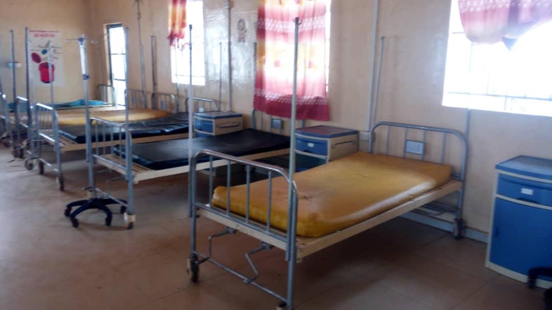 Sierra Leona, hospitales vacíos